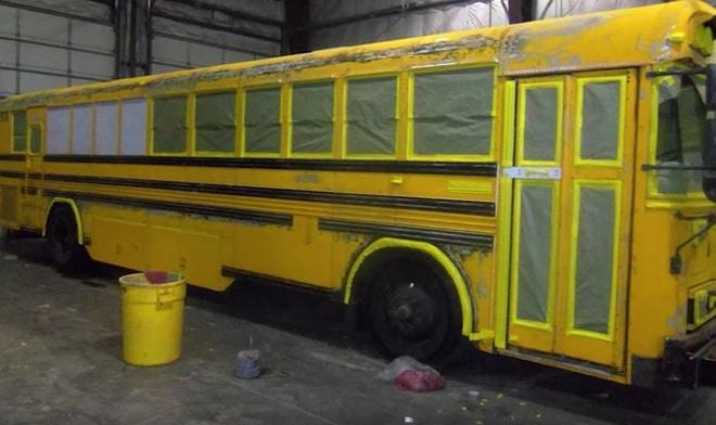 Школьный автобус стал домом для этой семьи. Посмотрите во что они превратили интерьер!
