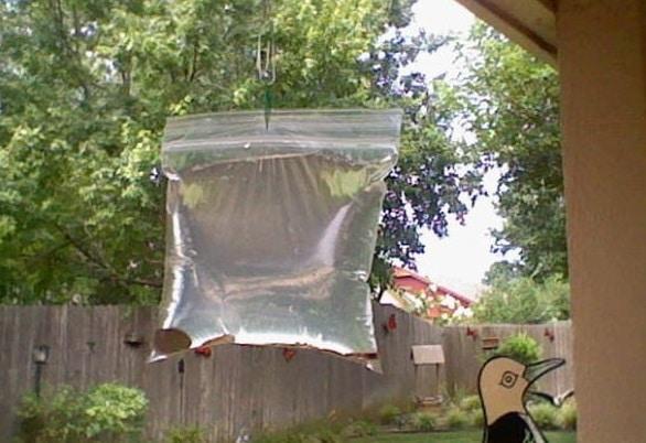 Устройство для отпугивания мух и комаров. Гениальная идея!
