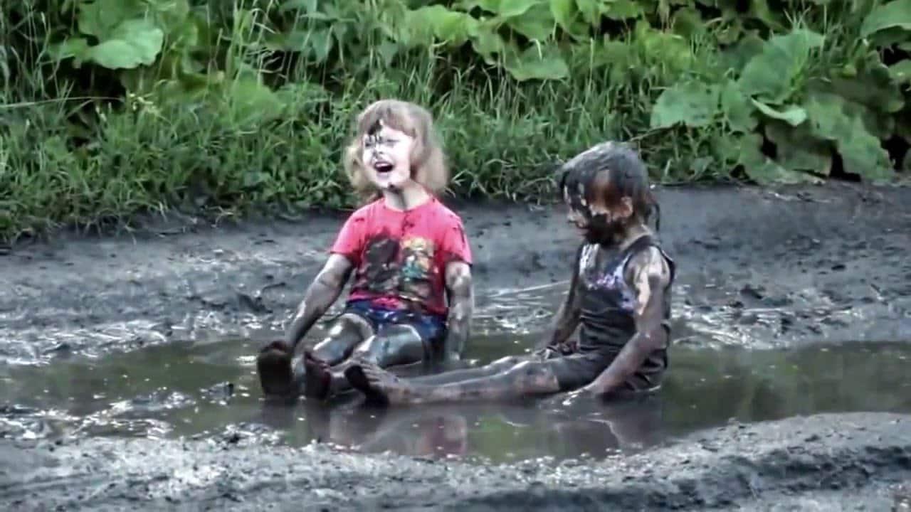"""""""Нам грязюка не почем!"""" Детское счастье. Улыбнитесь!"""