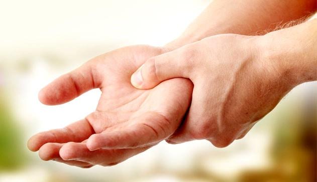 Немеют руки? 7 серьезных заболеваний, когда нужно обратиться к врачу!