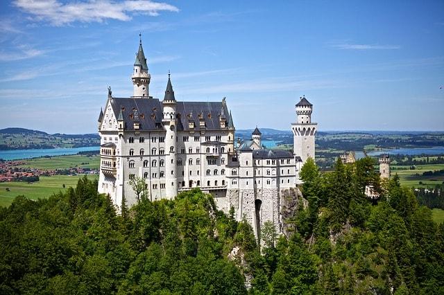 Нойшванштайн - удивительный замок самого «сказочного» короля Баварии!