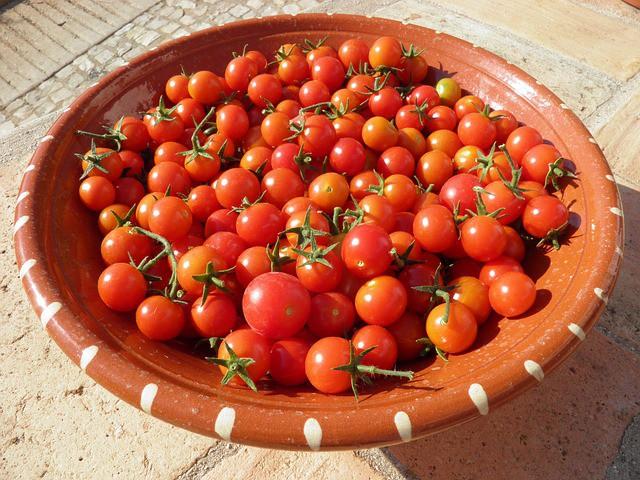 Как вырастить томаты Черри на своем балконе!