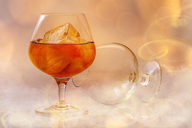 Какой алкоголь самый вредный? Список из 5 крепких напитков!