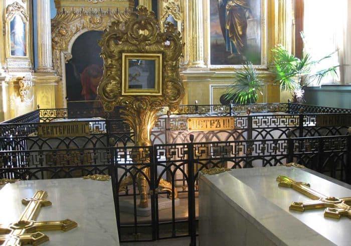 Император Петр III был коронован через 34 года после смерти. Вы знаете почему?