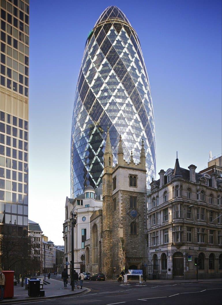 Лондонский огурец - это один из самых привлекательных небоскребов.