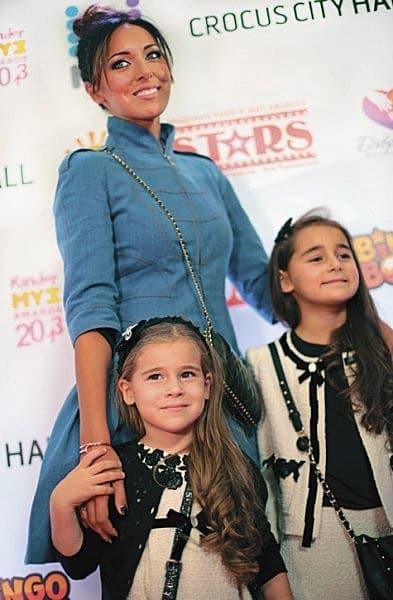Певица Алсу показала свою семью - мужа и любимых дочек!