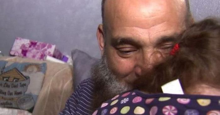 Дети, попадающие к этому мужчине, обречены на смерть. В этом его призвание!