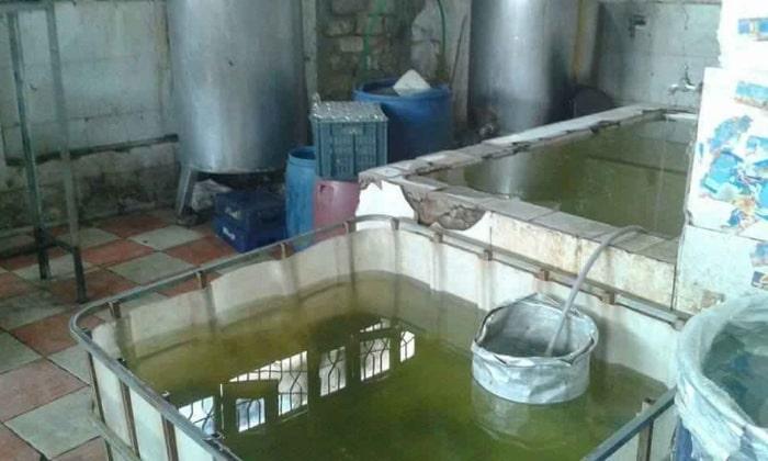 Однажды журналист пробрался на завод изготовления соков. Вот, что он увидел!