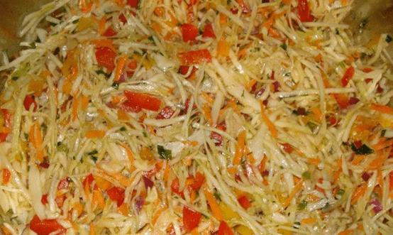 10 вкусных салатов, которые готовят сейчас, а кушают зимой.