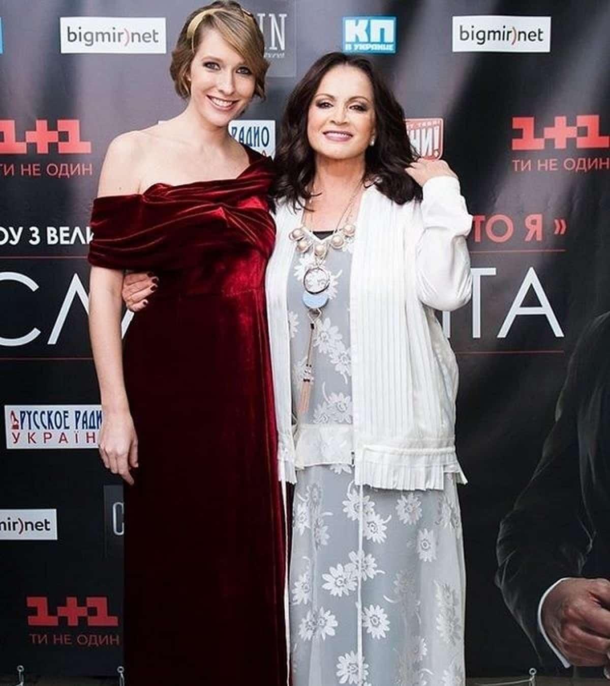 Как сейчас выглядит София Ротару? И посмотрите на ее внучку!
