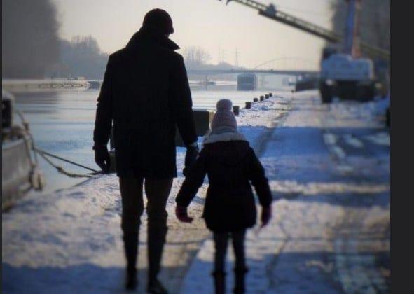Мудрый поступок маленькой девочки! Взрослым стоит брать с нее пример.