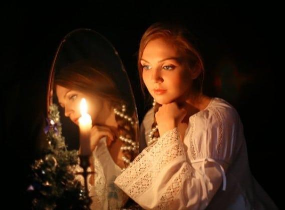 Предмет который есть в каждом доме. Мистических свойства зеркала: вымысел или реальность?