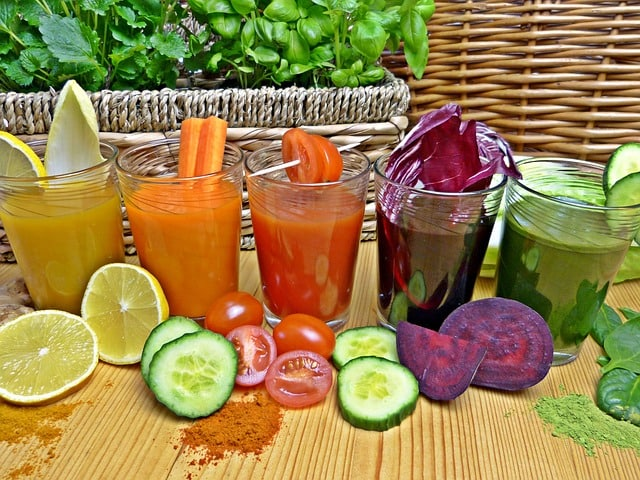 Смузи и соки для здоровья организма - 10 замечателдьных рецептов.