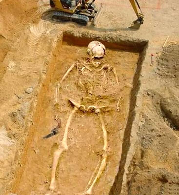 Скелеты людей гигантского роста. Люди, о которых наука молчит!
