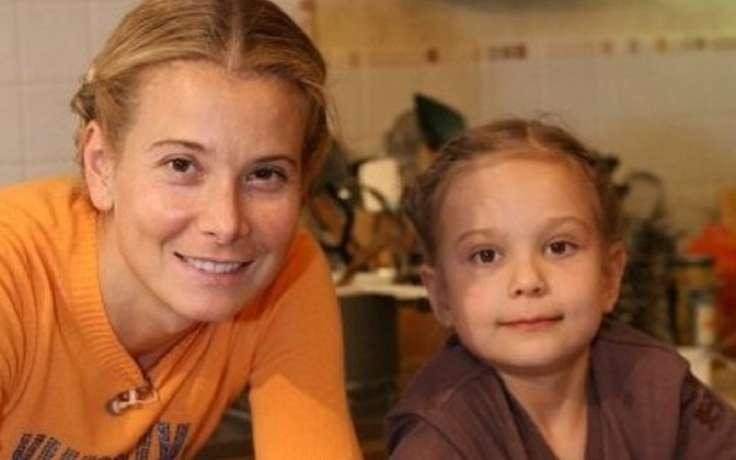 Маша Кончаловская снова в России! Как чувствует себя девочка?