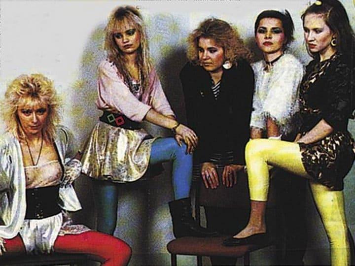 Вспомним молодость! Сумасшедшая мода из 90-х в фотографиях знаменитостей.