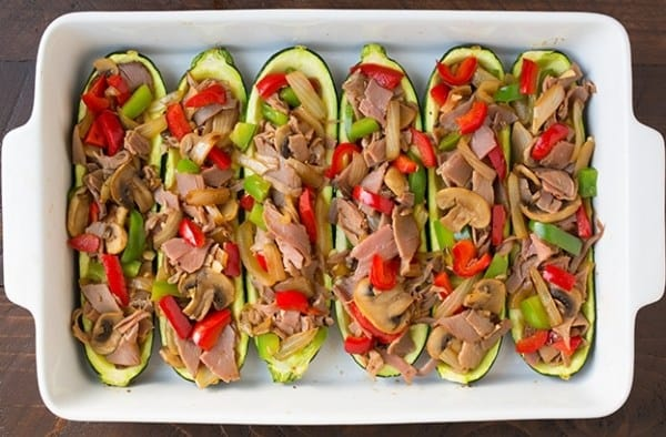 Бутерброды без хлеба: фаршированные лодочки из кабачка!