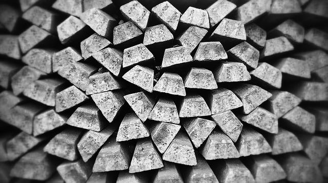 Серебро темнеет неспроста. Может пора бить тревогу?