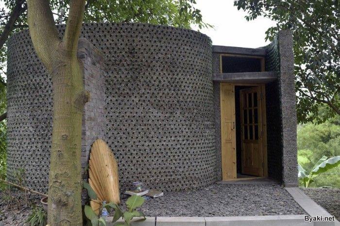 Офис из пивных бутылок - стильная идея китайского архитектора, которая обошлась совсем не дорого!