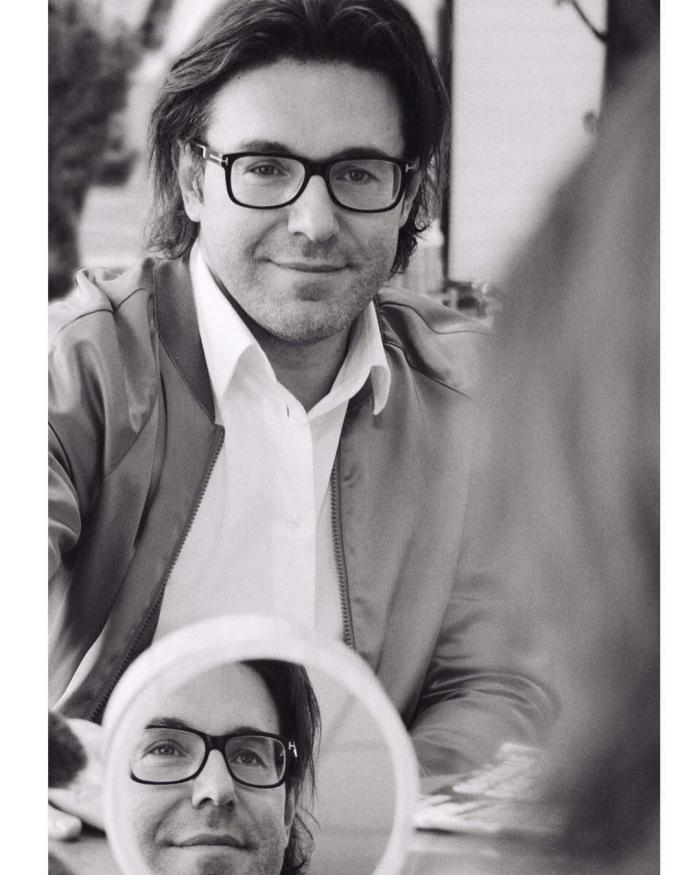 Телеведущий Андрей Малахов стал отцом-крестным для двух малюток!