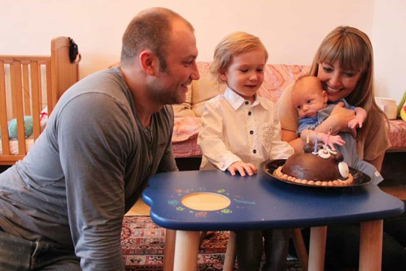 Сыновья актера Соловьева обделены вниманием отца, он не хочет их видеть!