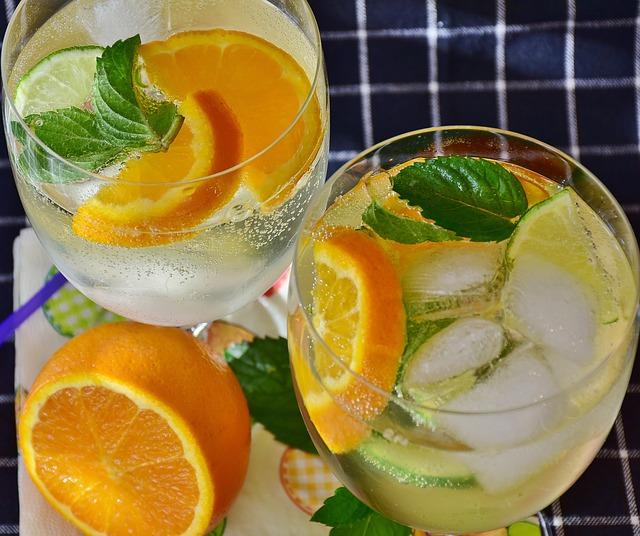 Витаминный отвар из мяты, лимона и меда для очищения печени!