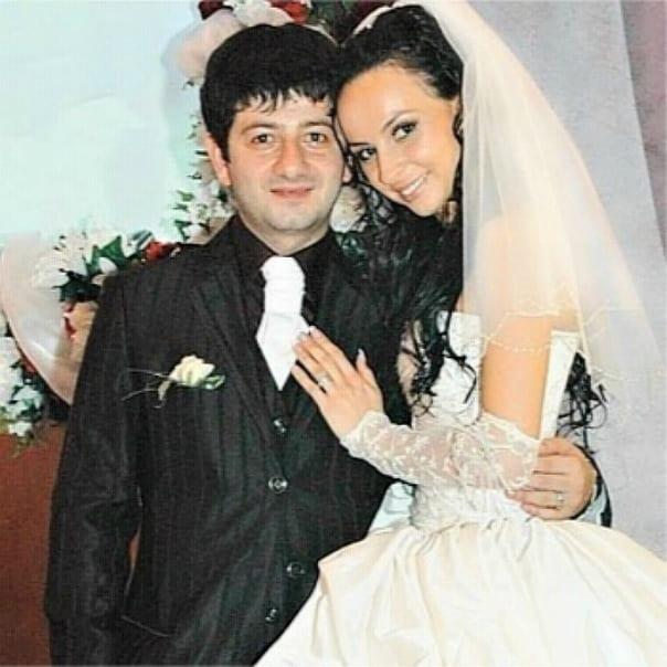 Прошло 10 лет, а Михаил Галустян все так же восхищается супругой!