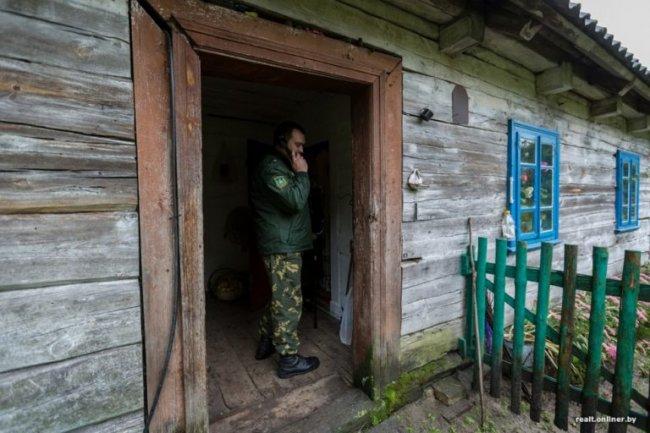 45 лет живет в лесу без света и газа. Удивительная история одной бабушки.