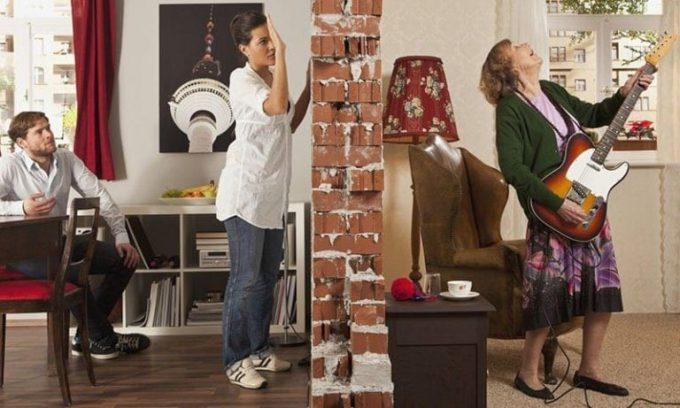 Надоели шумные соседи? Простой способ их проучить.