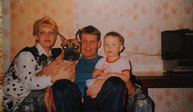 Его мама тяжело заболела, когда мальчишке было всего 8 лет!