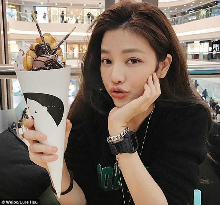 Талантливая девушка-дизайнер из Тайваня, удивила своих поклонников открыв свой возраст! А вы сколько лет ей думаете?