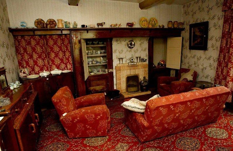 Таинственный дом-призрак, остался без владельцев!