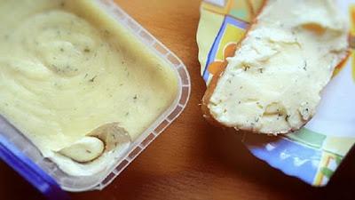 Домашний сыр без добавок и консервантов - просто и вкусно.