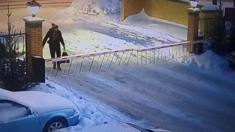 Новосибирские женщины жгут! Прыжок через шлагбаум взбудоражил весь Интернет!