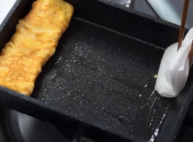 Вкусный омлет «Тамагояки» в японском стиле за 3 минуты!