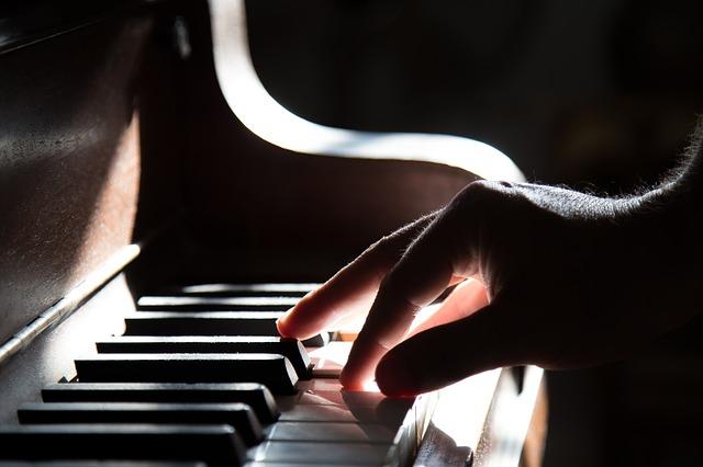 выбирать пианино