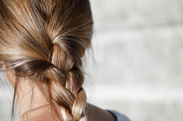Как ускорить рост волос в домашних условиях.