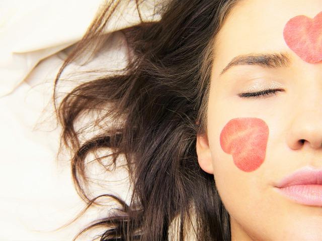 10 эффективных идей сделать кожу лица чистой и сияющей в холодный сезон!