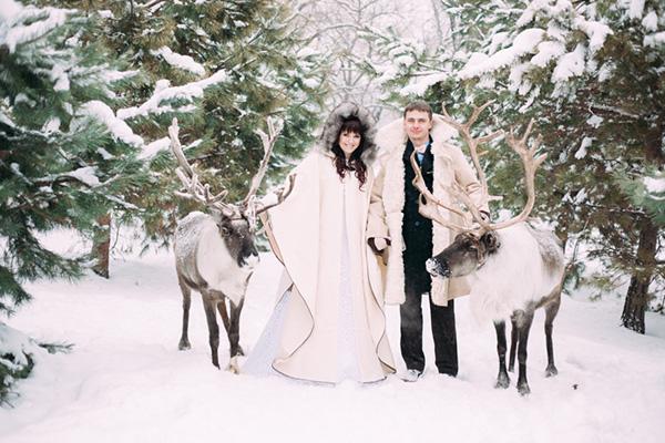 http://luckyevent.com.ua/p/source/sovety/winter%20wedding/11%20(42).jpg