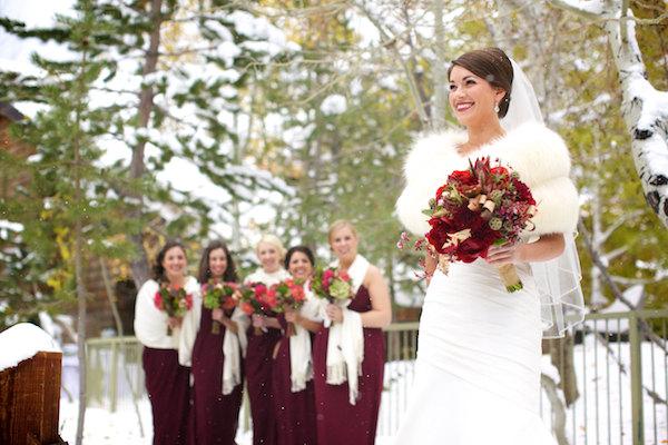http://luckyevent.com.ua/p/source/sovety/winter%20wedding/11%20(36).jpg