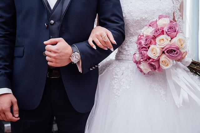 Купить свадебное платье: красивые идеи для зимы