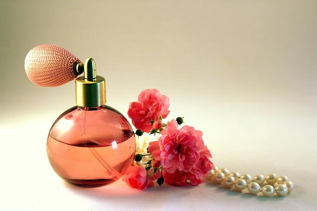 Тенденции и новинки женской парфюмерии. Чем удивляют бренды!