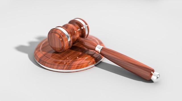 Можно ли подать иск в суд онлайн? Как правильно оформлять заявление.